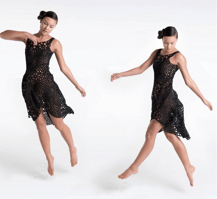 השמלה הקינמטית - שמלה מודפסת המותאמת במדוייק למידות הלובשת